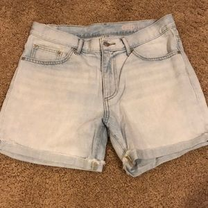 GAP Boyfriend White-washed Jean shorts
